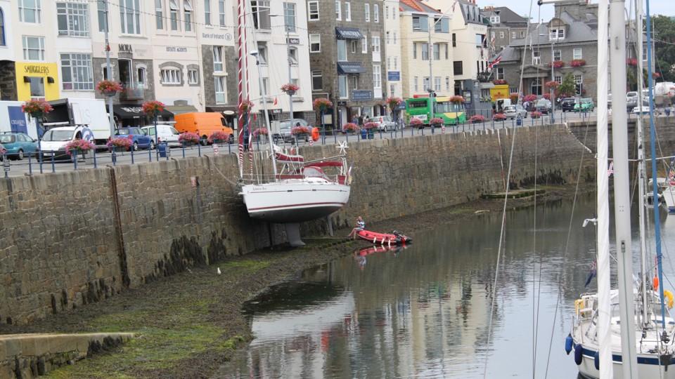 Guernsey marinája apálykor