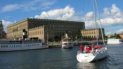 Stockholm, a királyi palota előtt