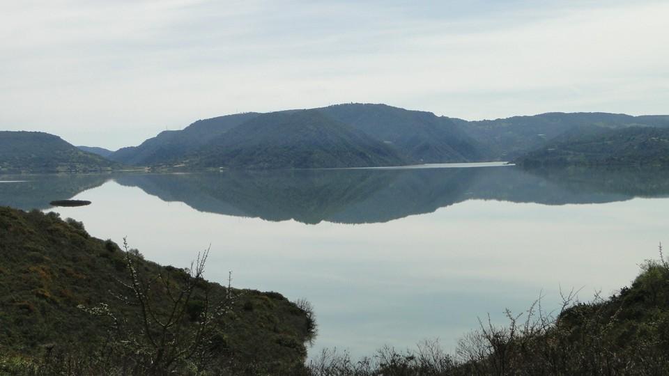 Dél-Szardinia, víztározó