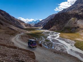 The Rickshaw Run: Driving a 3-Wheel Rickshaw 2,500 miles Across India with Journalist Simon Parker