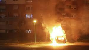 1 457 véhicules incendiés pour le Nouvel An