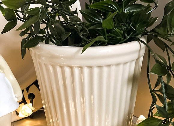 Istrid Plant Pot