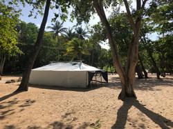 Tente structure bois toile blanche