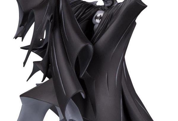 Batman Black and White Statue (Todd McFarlane)