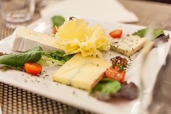 Assiette de fromage à la Baie des Anges