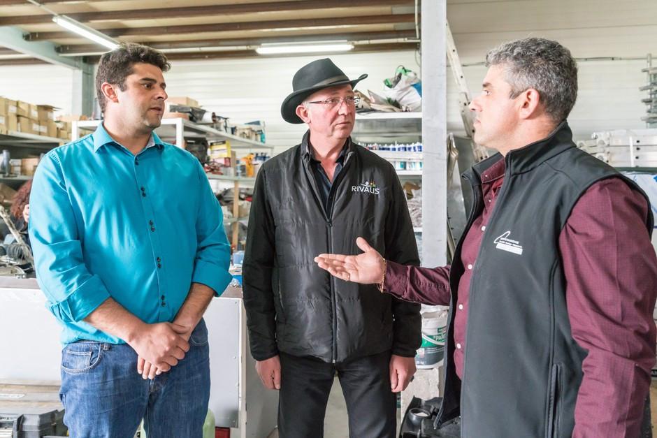 Nelson & Carlos en pleine discussion avec leur Conseiller Rivalis Christian BIET