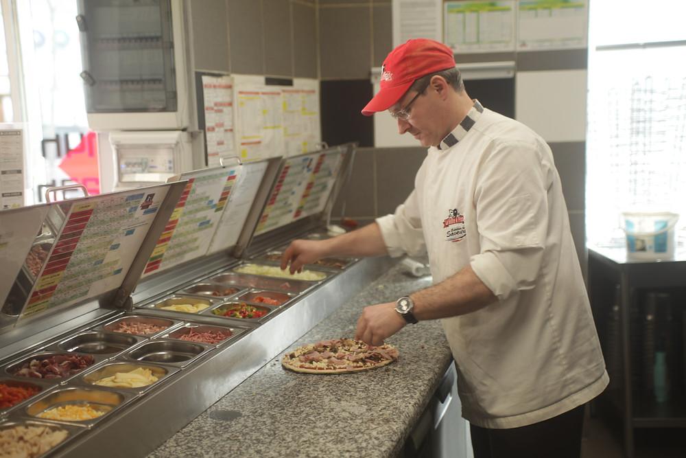 Nicolas, gérant d'une pizzeria