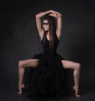Grunge black swan