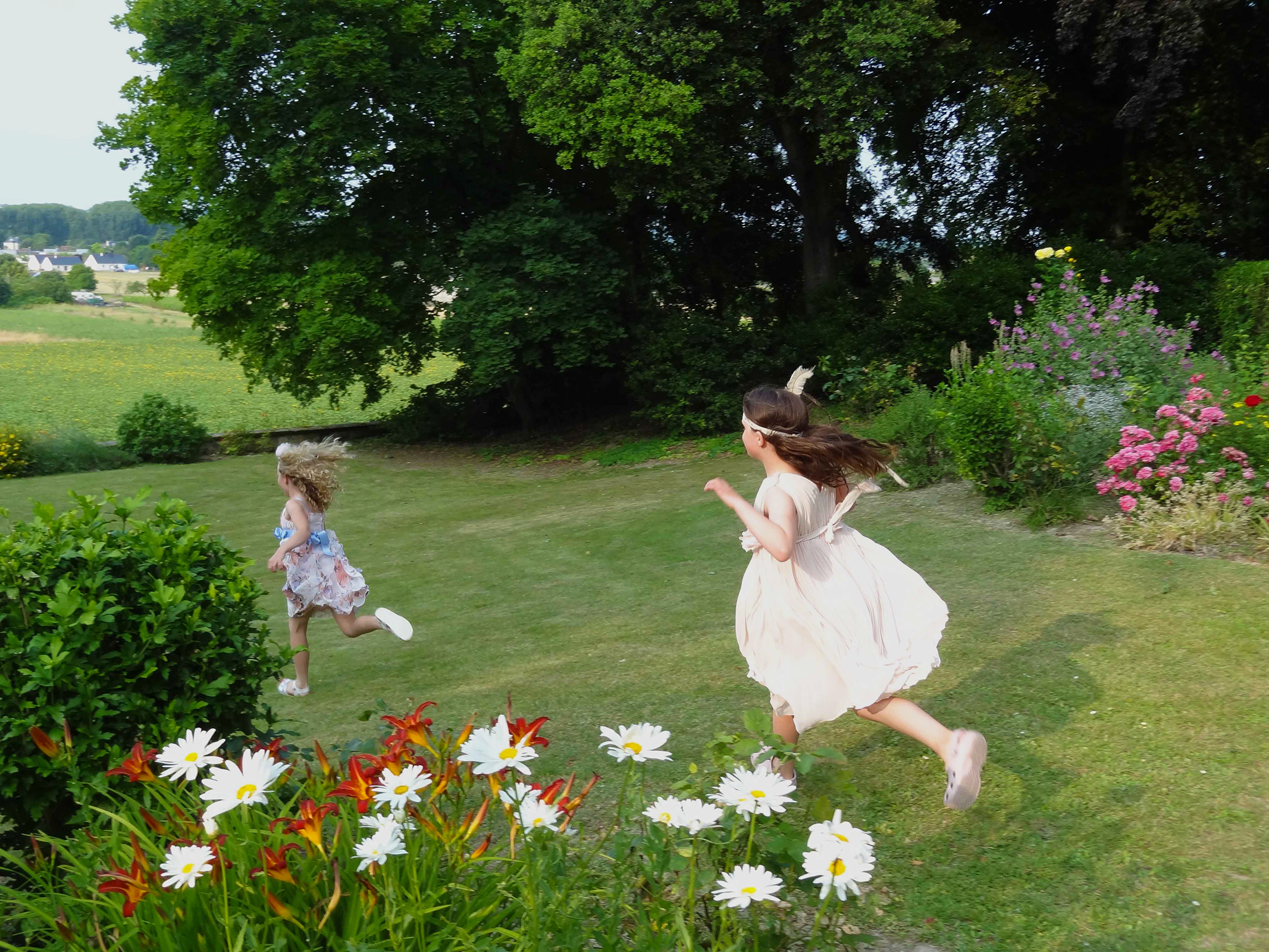 Chateau La Perriere - Children at the Ch