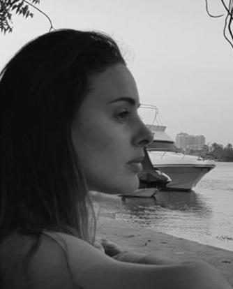 Karine Miquelis