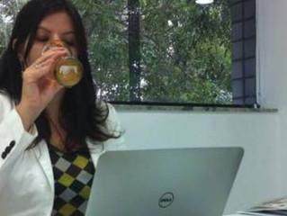 Beba cerveja e comunique. Isto faz parte do trabalho.