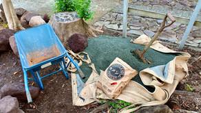 庭いじり家いじり : モルタルを練ってレンガを敷いてBBQスペースを作ってみる、の巻