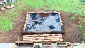 庭いじり家いじり : レンガを敷く準備で砂利を敷いたって話