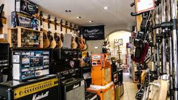 Zubehör für Gitarre kaufen. Hier erhältst du das beste Gitarrenequipment, ausgewählt von professionellen Gitarristen.