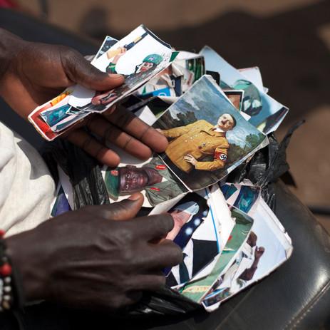 02 Ariel Tagar Uganda Bike Stickers IMG_8040 s.jpg
