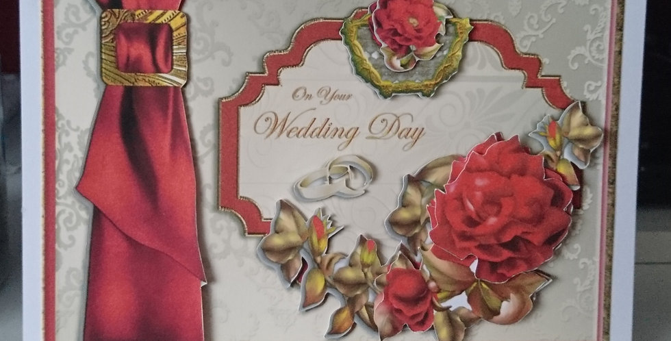 A5 Personalisable Wedding Card Red & Gold