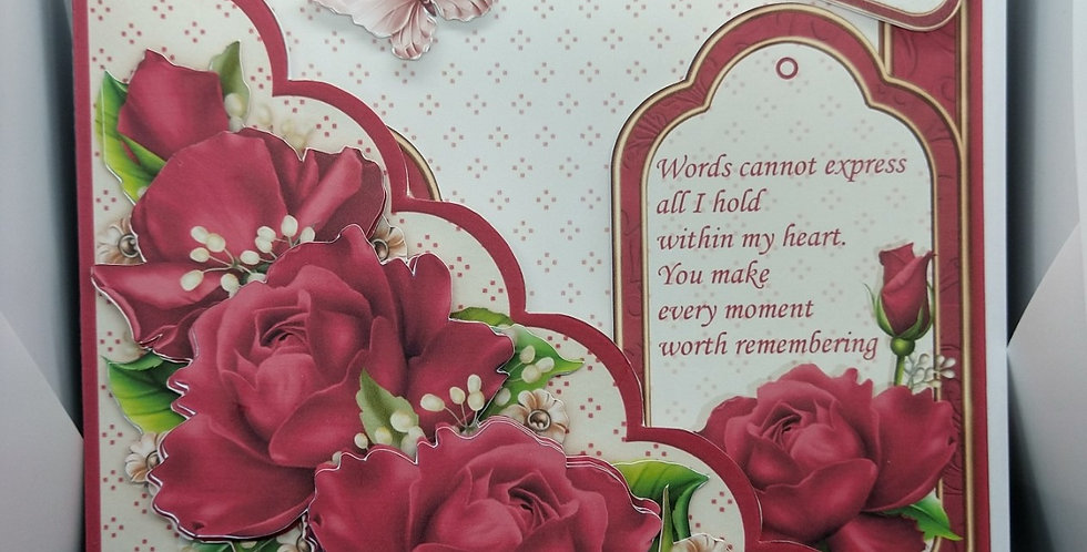 Valentines Luxury 8x8 Scalloped Pocket Front Card