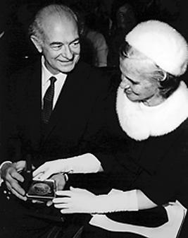 Linus Carl Pauling 15.png