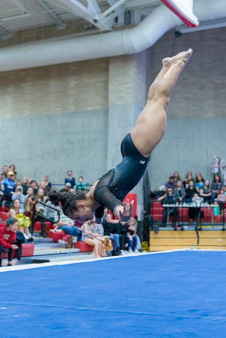 Nikole Addison performing floor exercise and scores 9.925, tied for 1st place.