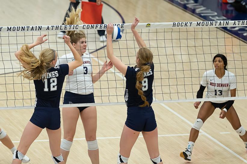 Photo of MSU Denver Volleyball versus Colorado School of Mines during RMAC Final