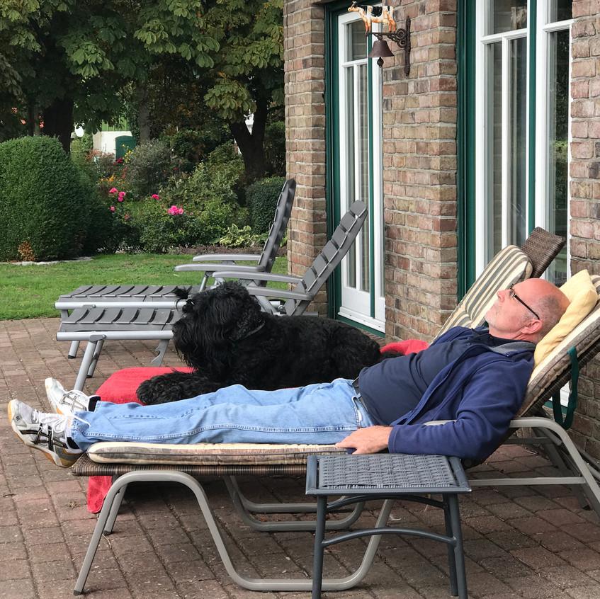 Mittagsruhe unter Rüden !! Ben und Frank !!