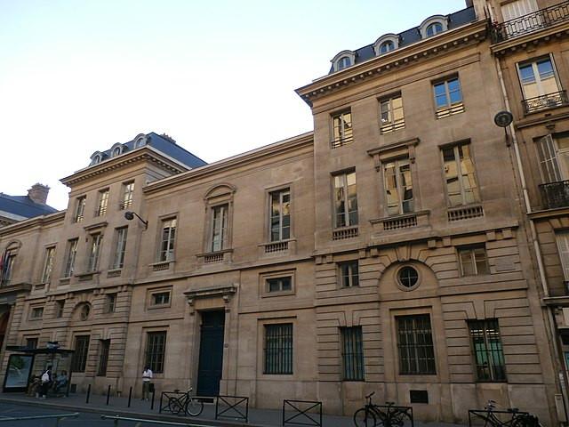 École des Ponts et Chaussées, anciens locaux, 28 rue des Saints-Pères, 7e (Wikimedia communs)