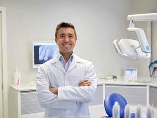 8 cuidados básicos posteriores a la colocación de implantes dentales