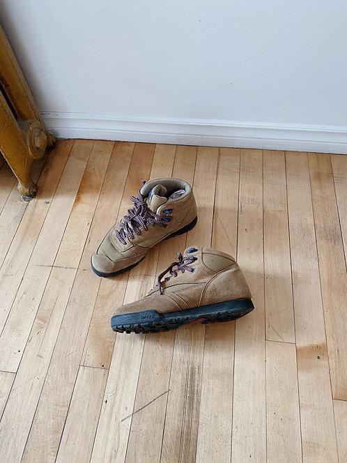 Tan Hi-Tec Hiking Boots | 8