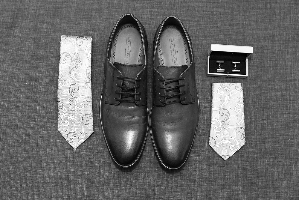 Grooms wedding shoes and tie