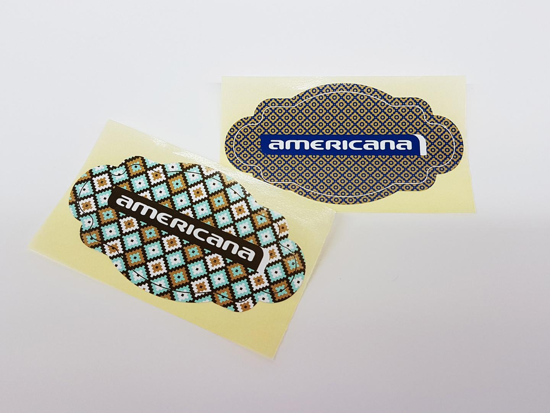 Etiqueta Americana.jpg