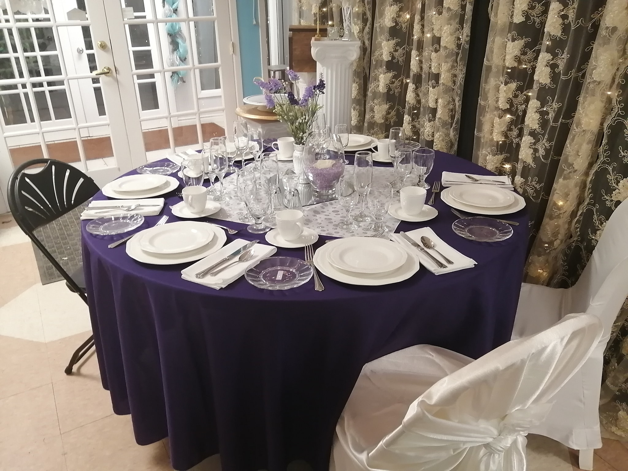 8 Guest Table Place Setting - Showroom Example