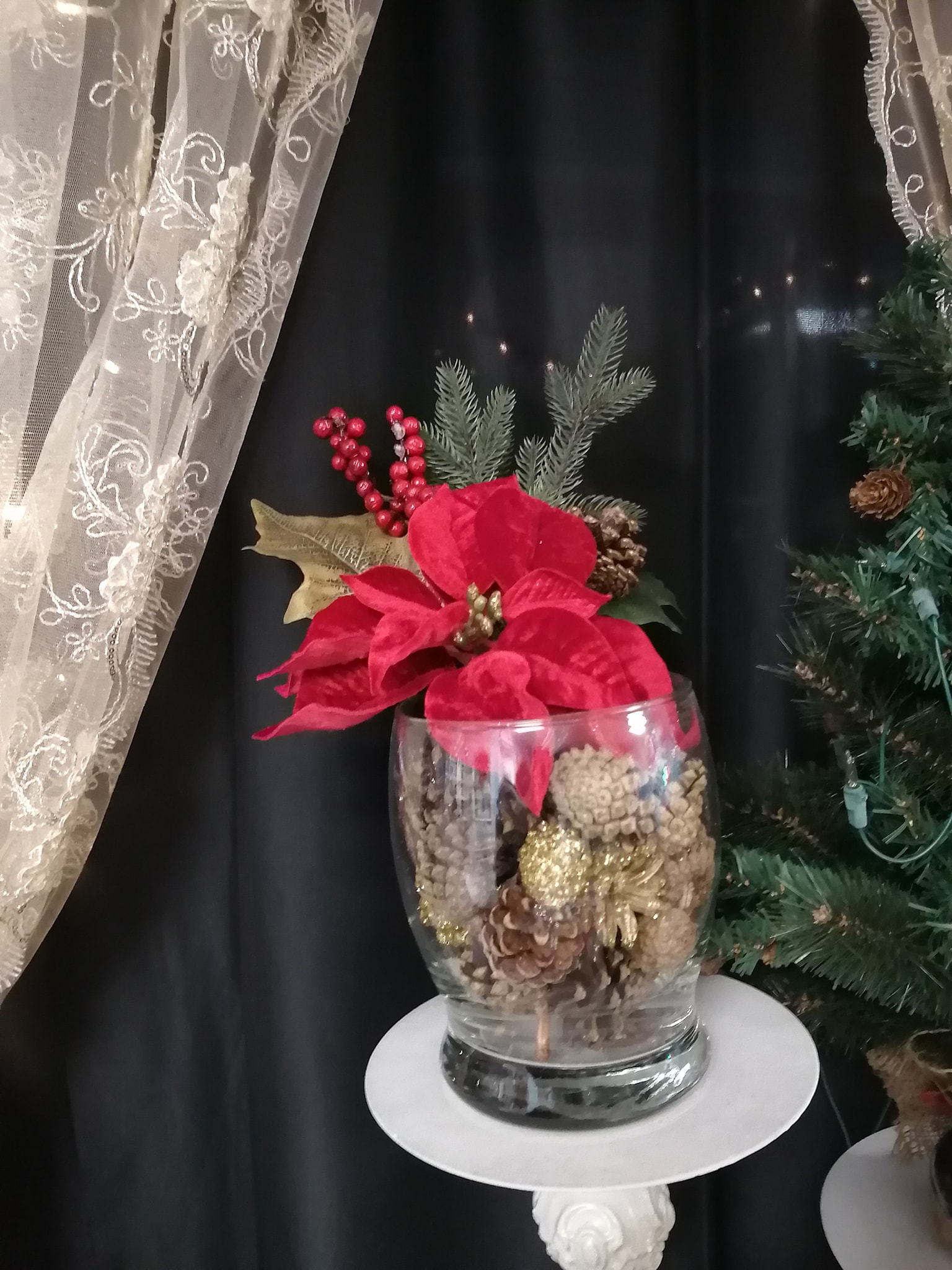 Winter Pinecone Centerpiece - Showroom Example
