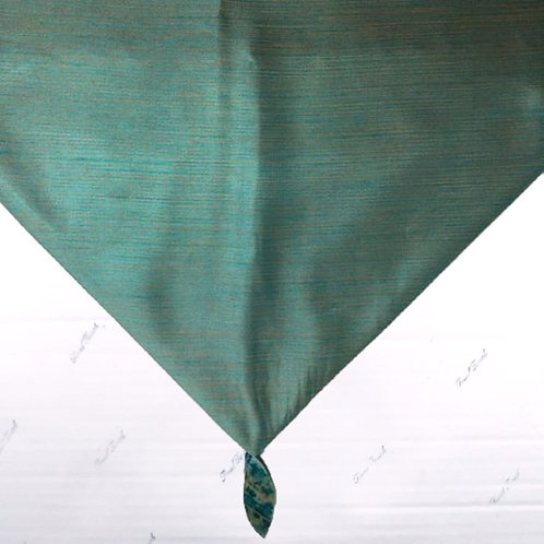 Table Runner ~ Turquoise w/Gem Ends