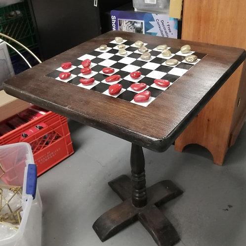 Table Checkerboard