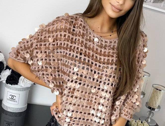Sweterek hand made z cekinami