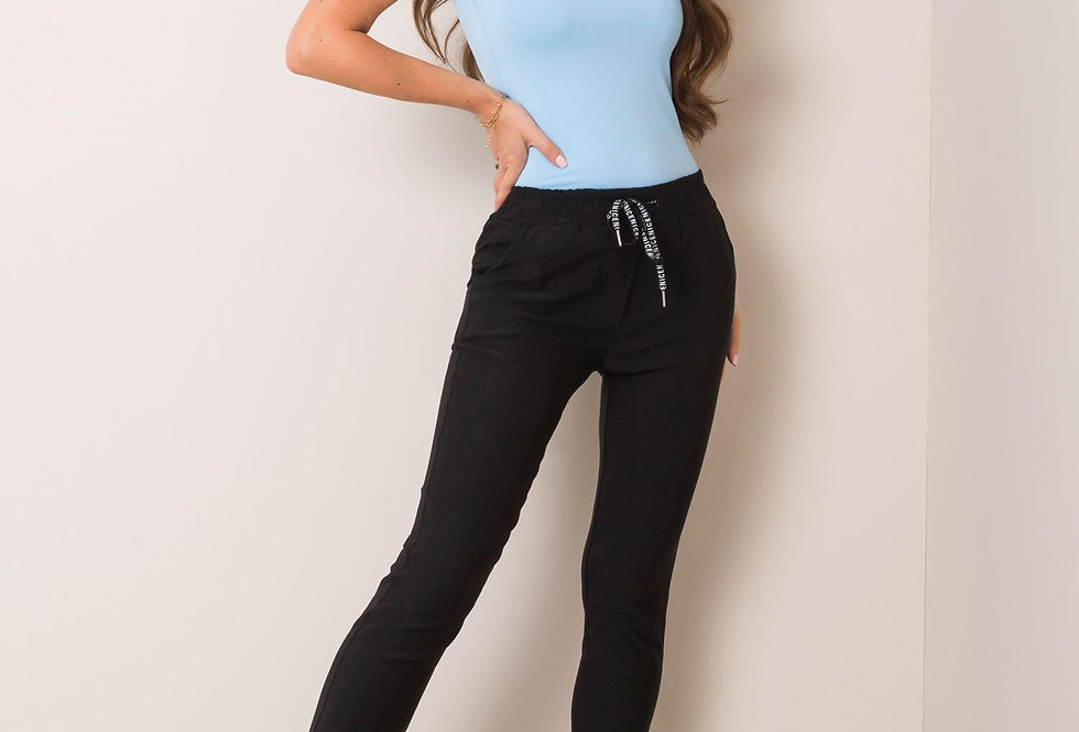 Czarne spodnie Reina