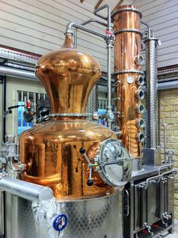 Craft distillery gin still