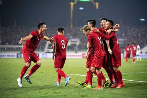 Văn Toàn cùng các đồng đội có thể phá vỡ kỷ lục của tuyển Thái Lan ở vòng loại World Cup