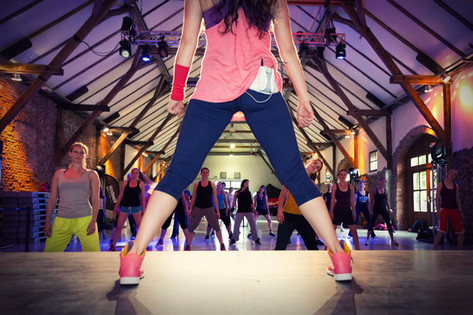 Sportevent-Gruppe-Fitnessprogramm.jpg