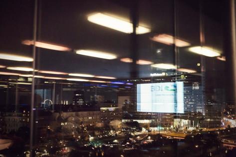 Bar-Fenster-Spiegelung.jpg