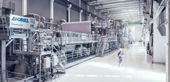 Papiermaschine-Gesamtansicht.jpg
