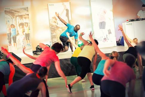 Sportveranstaltung-Gruppe-Gymnastik.jpg