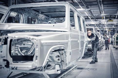 Qualitaetskontrolle-Gelaendefahrzeug-Aut