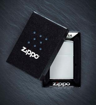 Zippo-Feuerzeug-Verpaclung.jpg