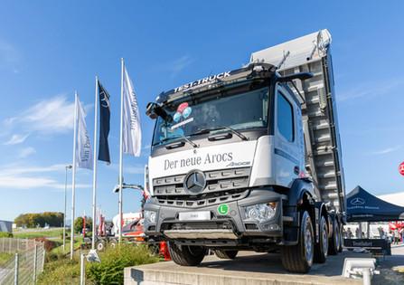 LKW-Praesentation-Truckerfest-Mercedes.j