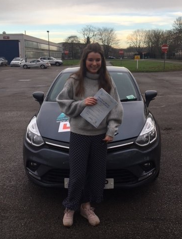 Haslemere driving school - Issey Scilitor