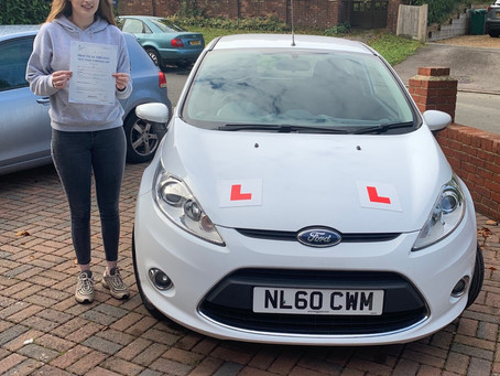 Lara Woods passes first time in Portsmouth