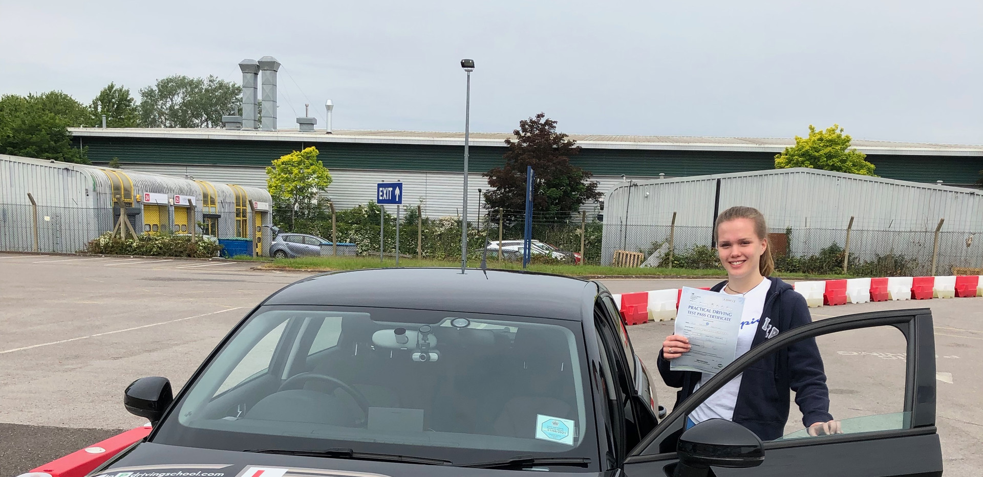Zoe Farthing, Haslemere Driving School student passes first time at Guildford