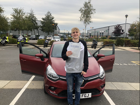 Max passes first time in Farnborough