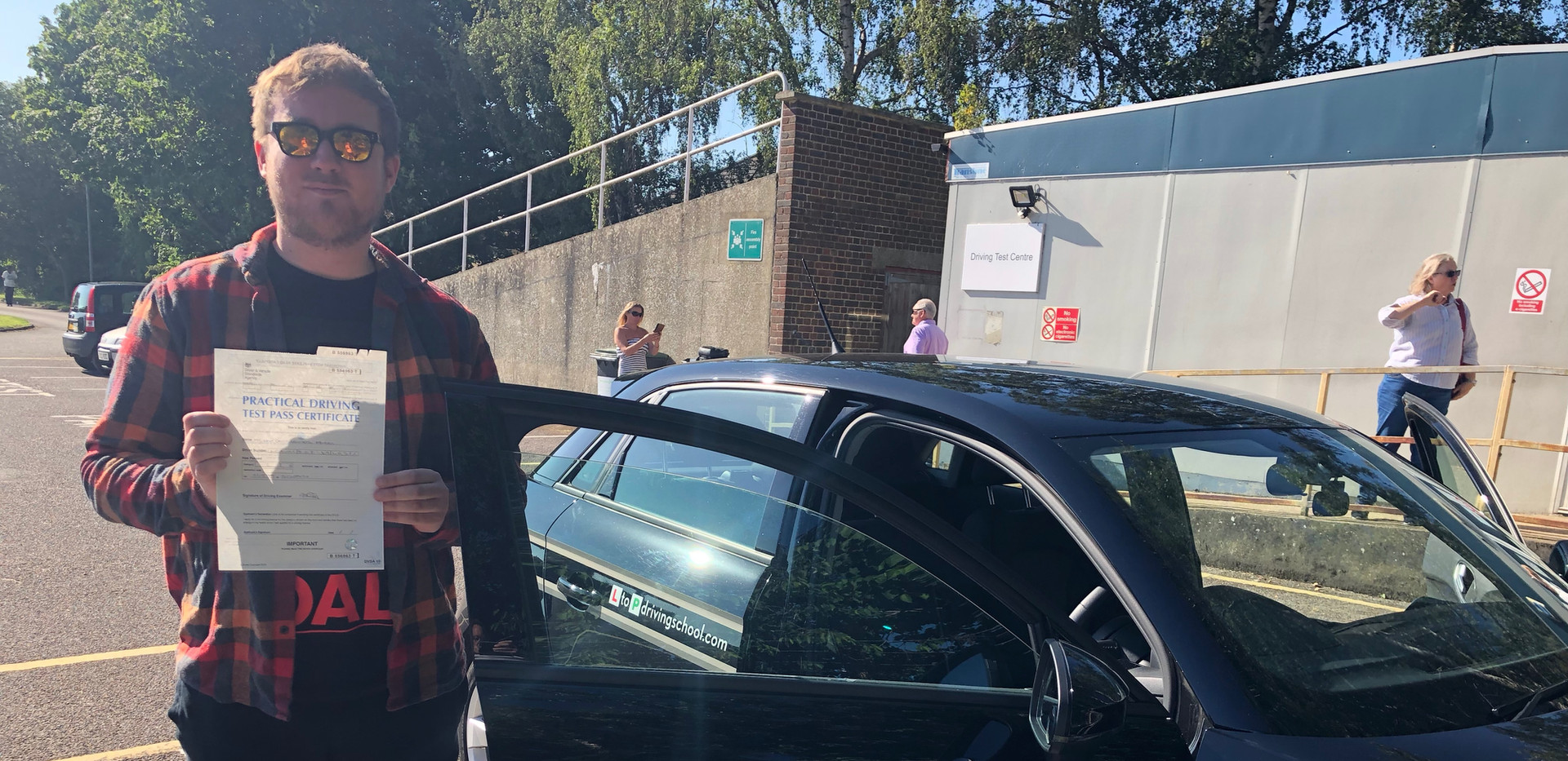 Hindhead driving lessons driving student, Liam Spencer passes first time